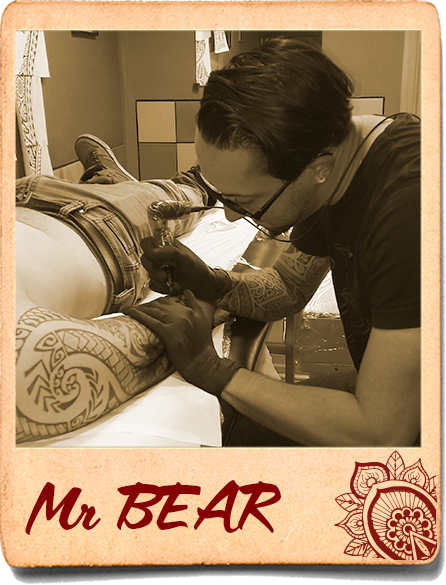 Mr Bear tatoueur Art Flat Tatouage